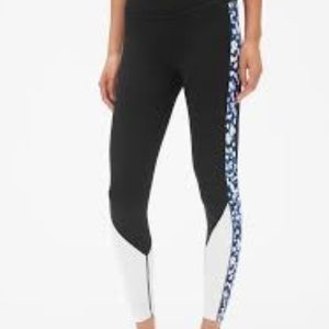 Gapfit Blackout Floral Colorblock Leggings